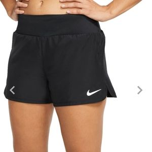 Nike Dri Fit Shorts in Black XS